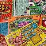 Argumen Pasangan Menyebabkan Pembelian Tiket Lotere Kemenangan