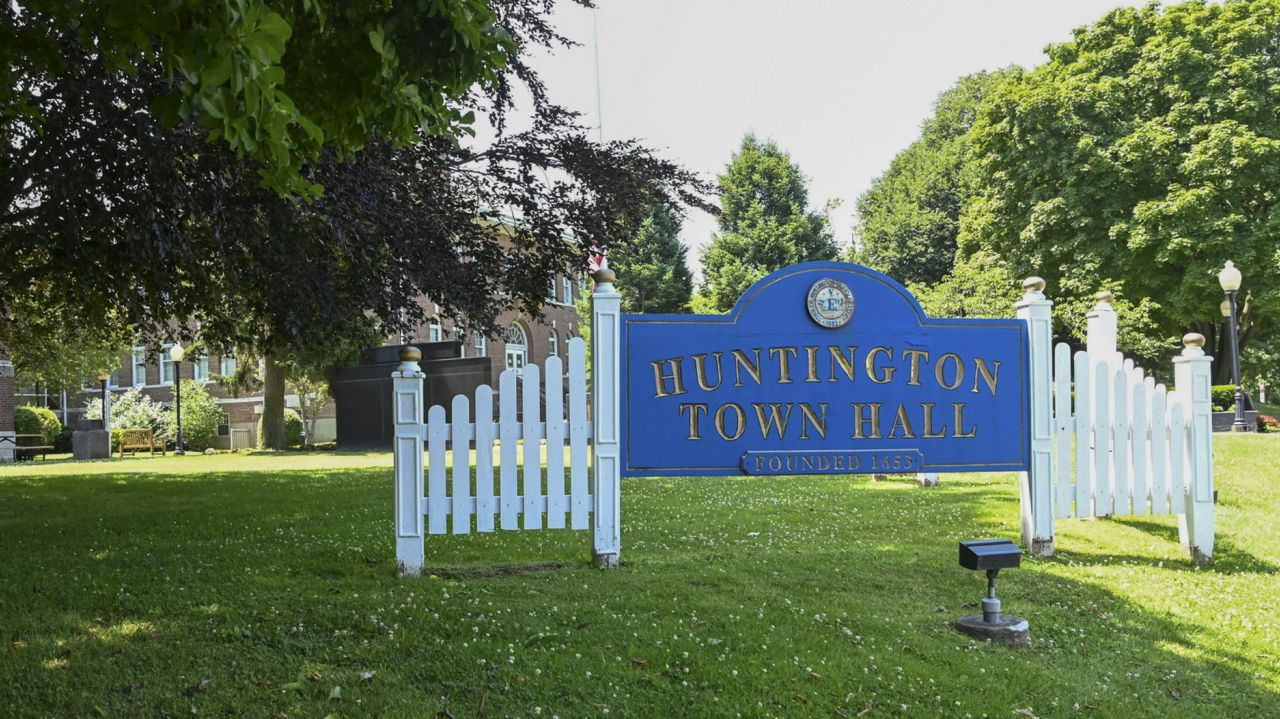 Staf tanah lotere perumahan Huntington yang terjangkau ada dalam daftar