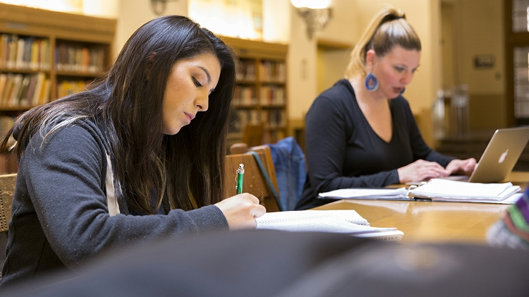 Beasiswa Lotere New Mexico untuk menutupi biaya kuliah dasar penuh pada 2021-22: Ruang Berita UNM
